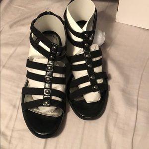 Wide width sandals